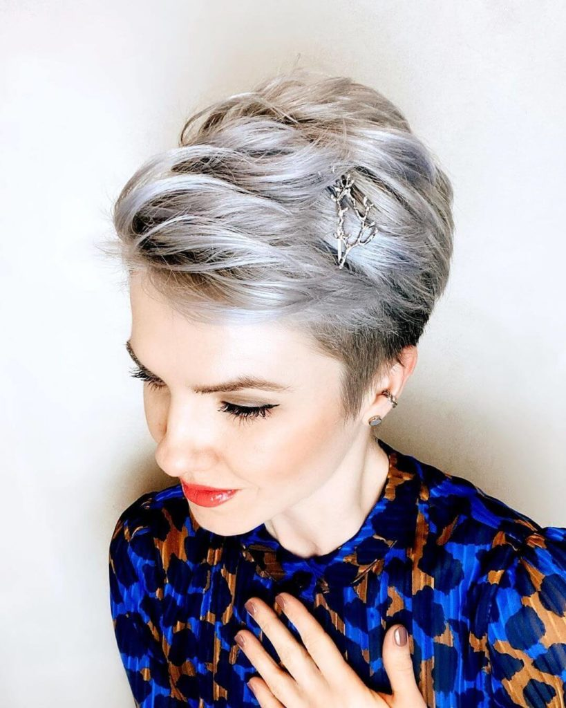 Cute Prom Hairstyles For Short Hair with accessories