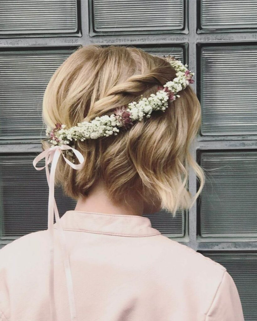 short prom hair with sweet floral headband