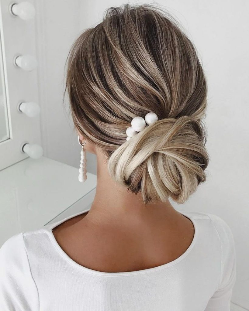 choosing the right wedding hairstyle